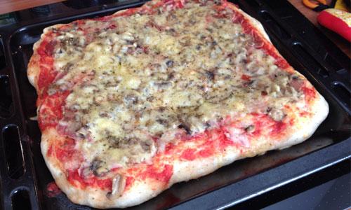 selbst-gemachte-pizza